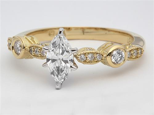 Gold  Ring With Sidestones